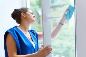 metoda suchého leštění udrží vaše okna dlouho lesklá a nezpůsobuje šmouhy na skle