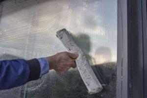 Ruční mytí oken