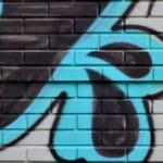Jak očistit fasádu od graffiti