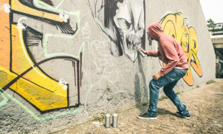 Mytí fasád od graffiti