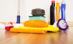 čistenie a voskovanie linolea